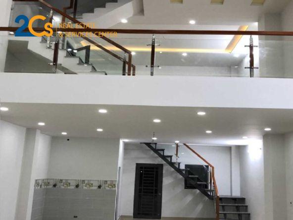 Bán nhà 105m2 đường Phạm Văn Chí