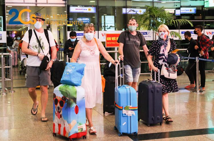 Người nước ngoài phải có đủ năng lực hành vi dân sự để thực hiện giao dịch về nhà ở theo quy định của pháp luật Việt Nam